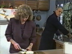 Beverly Marshall, Jim Robinson in Neighbours Episode 0973