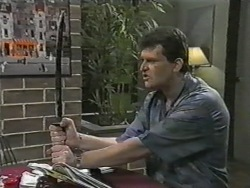 Des Clarke in Neighbours Episode 0974
