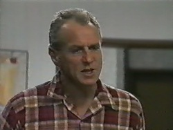 Jim Robinson in Neighbours Episode 0974