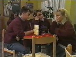 Matt Robinson, Nick Page, Sharon Davies in Neighbours Episode 0974