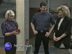 Helen Daniels, Des Clarke, Beverly Marshall in Neighbours Episode 0974