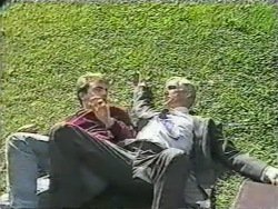 Nick Page, Kenneth Muir in Neighbours Episode 0974