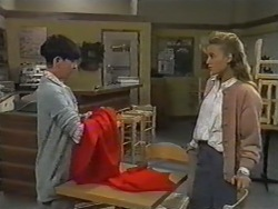 Hilary Robinson, Bronwyn Davies in Neighbours Episode 0975