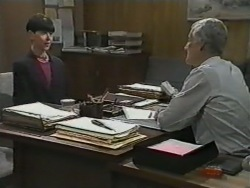 Hilary Robinson, Kenneth Muir in Neighbours Episode 0975