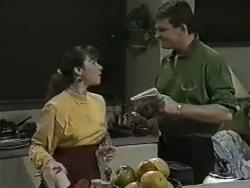 Kerry Bishop, Des Clarke in Neighbours Episode 0976