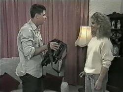 Joe Mangel, Noelene Mangel in Neighbours Episode 0977