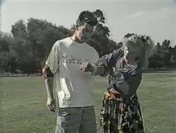 Matt Robinson, Sharon Davies in Neighbours Episode 0977