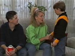 Joe Mangel, Noelene Mangel, Toby Mangel in Neighbours Episode 0978