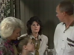 Helen Daniels, Katie Landers, Pamela Lucas, Jim Robinson in Neighbours Episode 0978