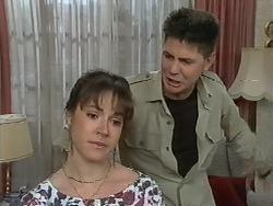 Kerry Bishop, Joe Mangel in Neighbours Episode 0979