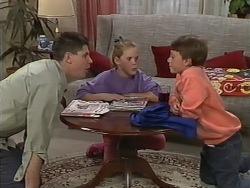 Joe Mangel, Katie Landers, Toby Mangel in Neighbours Episode 0979