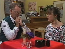Harold Bishop, Kerry Bishop in Neighbours Episode 0979