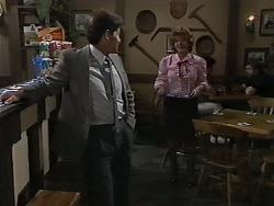 Dean Gardner, Gloria Lewis in Neighbours Episode 0980