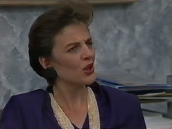 Gail Robinson in Neighbours Episode 0980