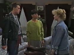 Matt Robinson, Hilary Robinson, Sharon Davies in Neighbours Episode 0982
