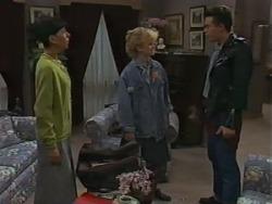 Hilary Robinson, Sharon Davies, Matt Robinson in Neighbours Episode 0983