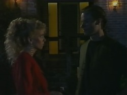Jane Harris, Mike Young in Neighbours Episode 0983