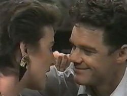 Gail Robinson, Paul Robinson in Neighbours Episode 0985