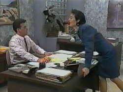 Paul Robinson, Gail Robinson in Neighbours Episode 0985