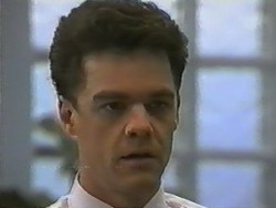 Paul Robinson in Neighbours Episode 0985
