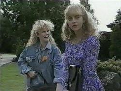 Sharon Davies, Jane Harris in Neighbours Episode 0986