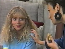 Jane Harris, Gail Robinson in Neighbours Episode 0986