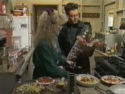 Sharon Davies, Matt Robinson in Neighbours Episode 0987