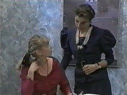 Jane Harris, Gail Robinson in Neighbours Episode 0988