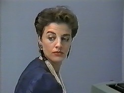 Gail Robinson in Neighbours Episode 0989