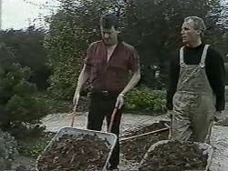 Des Clarke, Jim Robinson in Neighbours Episode 0989