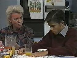 Helen Daniels, Todd Landers in Neighbours Episode 0989