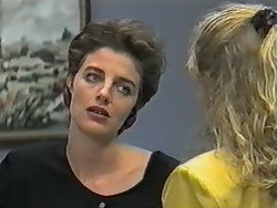 Gail Robinson, Jane Harris in Neighbours Episode 0989