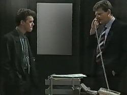 Paul Robinson, Des Clarke in Neighbours Episode 0989
