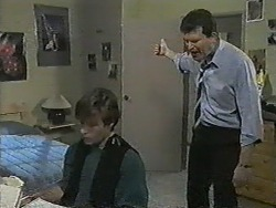 Mike Young, Des Clarke in Neighbours Episode 0990