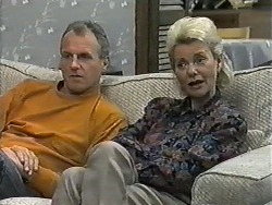 Jim Robinson, Helen Daniels in Neighbours Episode 0990