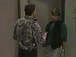 Des Clarke, Mike Young in Neighbours Episode 0990