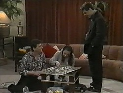 Des Clarke, Kerry Bishop, Paul Robinson in Neighbours Episode 0991