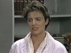 Gail Robinson in Neighbours Episode 0991