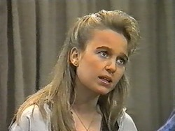 Bronwyn Davies in Neighbours Episode 0991