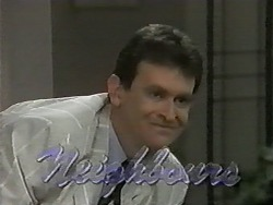 Des Clarke in Neighbours Episode 0991