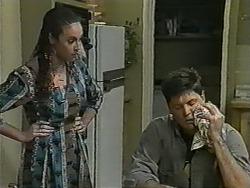 Kerry Bishop, Joe Mangel in Neighbours Episode 0992