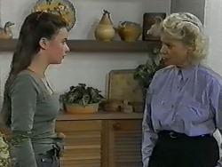 Alison Ryder, Helen Daniels in Neighbours Episode 0992