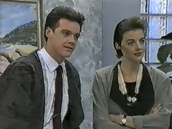 Paul Robinson, Gail Robinson in Neighbours Episode 0993