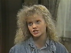 Sharon Davies in Neighbours Episode 0993