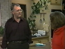 Harold Bishop, Madge Bishop in Neighbours Episode 0995