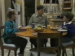Katie Landers, Joe Mangel, Toby Mangel in Neighbours Episode 0995