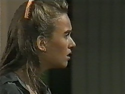 Bronwyn Davies in Neighbours Episode 0995