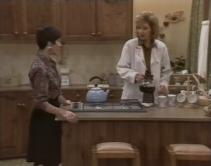Kerry Bishop, Beverly Marshall in Neighbours Episode 1224