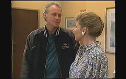 Jim Robinson, Beverly Marshall in Neighbours Episode 1242