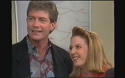 Roger Walsh, Melanie Pearson in Neighbours Episode 1243